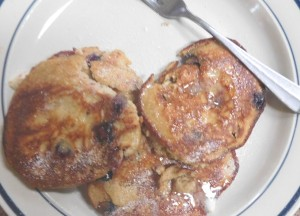 Low carb blueberry pancakes revisited